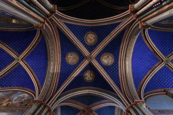 Les décors restaurés de Saint-Germain-des-Présà Paris