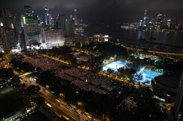 La Chine veut enterrer Tian An Men à Hong Kong