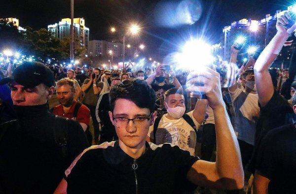 Biélorussie, le régime frappe fort pour étouffer la contestation