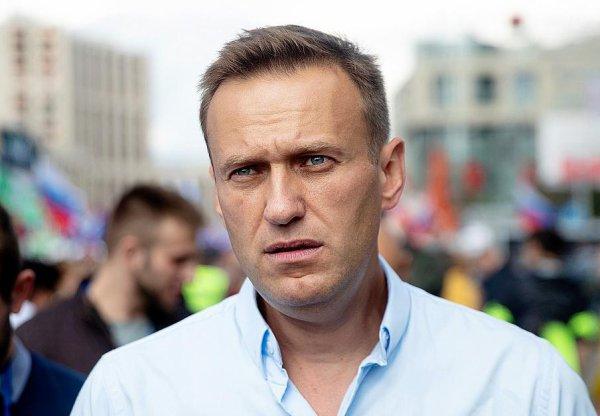 L'opposant russe Alexeï Navalny entre la vie et la mort