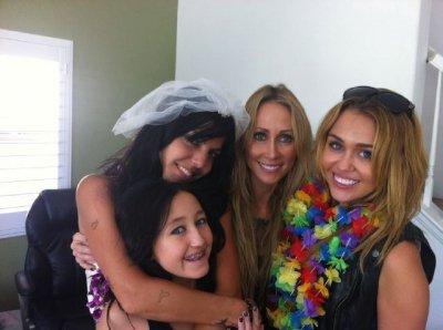 Miley au mariage de sa danseuse.
