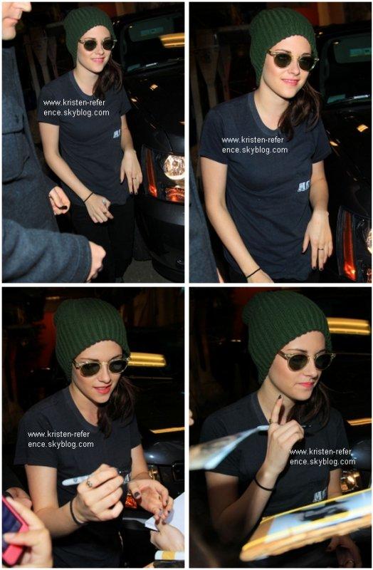 .                                                                                                                                                                                                                      19 Octobre 2010 - Kristen était au live de Regis & Kelly à New York                                                                                                                           .                                                                                                                                                            Ton avis ?                                                                                                                                                                                                                   .