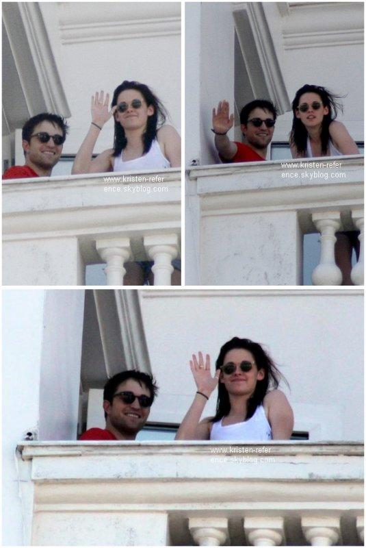.                                                                                                                                                                                                                      07 Novembre 2010  - Kristen et Rob ont été repérés sur le balcon de leurs chambre d'hôtel à Rio de Janeiro ou ils ont salués leurs fans. C'est en ce jour que le tournage de Breaking Dawn est officiellement commencer au Bresil                                                                                                                                    .                                                                                                                                                            Ton avis ?                                                                                                                                                                                                                   .