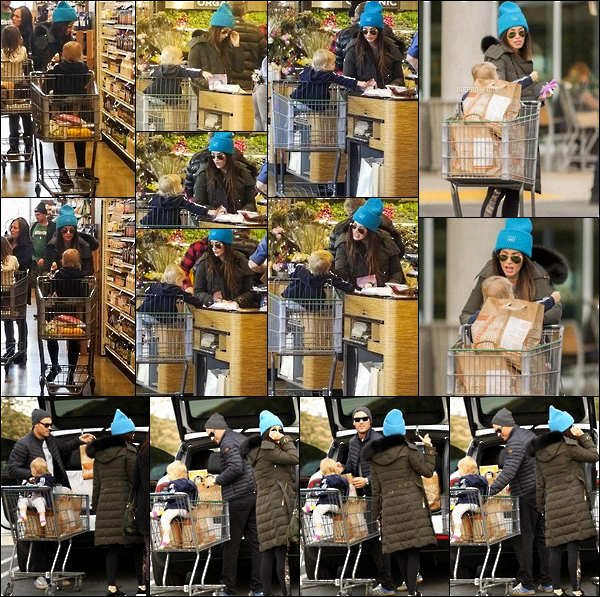 """. """"25.12.2017"""" -Notre jolie Megan Foxà été vue faisant les courses avec son mari Brian Austin Green et leurs enfants. Le lendemain du réveillon, la petite famille ont été vue faire des courses de dernière minute dans un magasin. Je n'aime pas du tout sa tenue... """""""