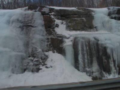 Quelques images de ce que sont nos magnifique hiver!!!! que j`adoreeeeeee  ;D