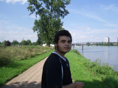 dylan  mon fils et le pont de l europe france allemagne