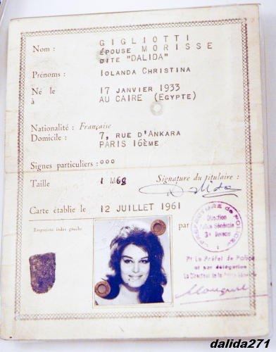 carte d'identite d'une grande dame de la chansons