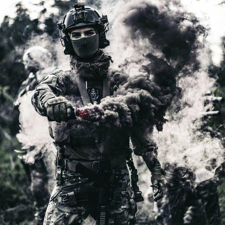 L'amour de mon peuple qui m'habite, me tire vers eux. Je ne vais à eux pour trahir notre nation, pas pour boire son sang.