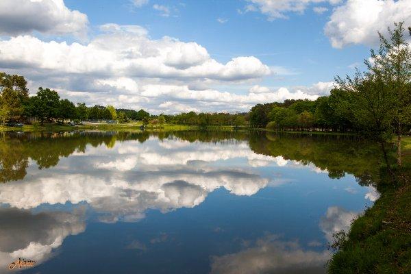 Nuages et reflets (Canon  5D )
