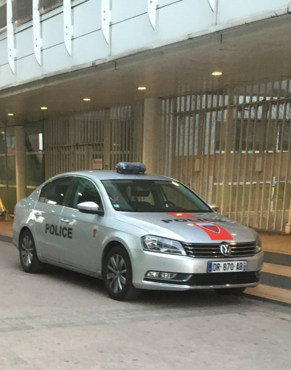 929  POLICE