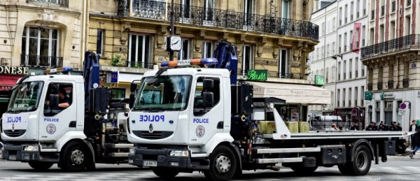 930  POLICE