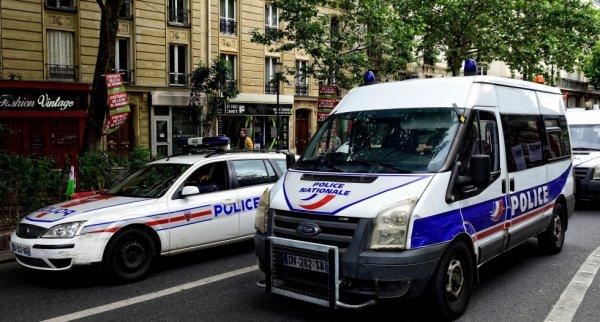 935  POLICE