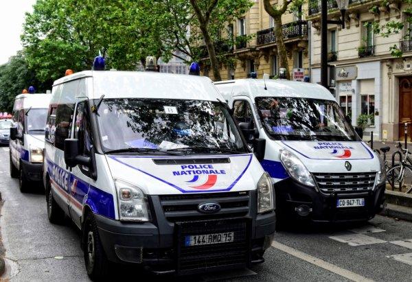 940  POLICE
