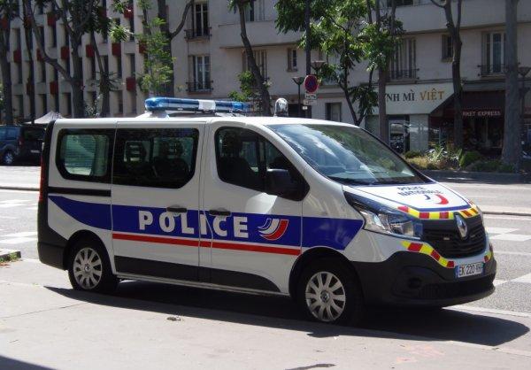 975  POLICE