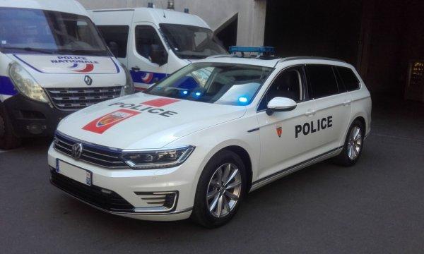 982  POLICE