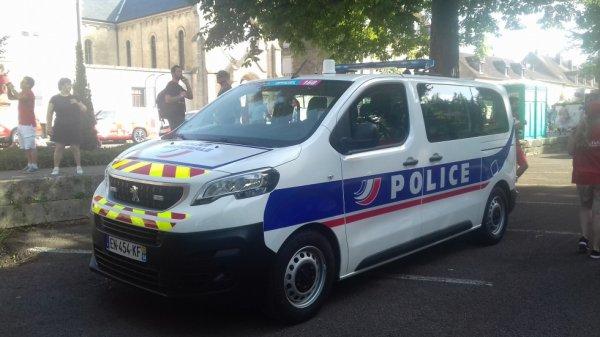 996 POLICE