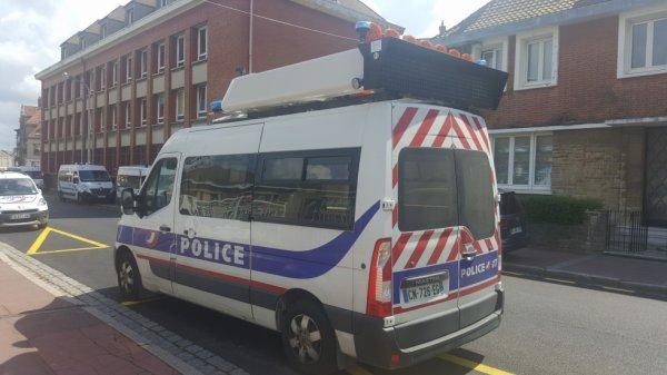 1000 POLICE