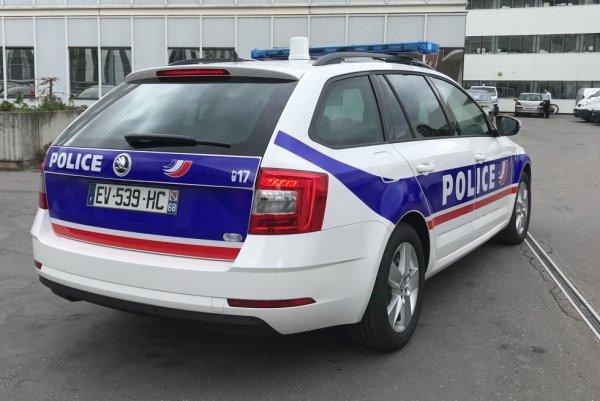 1009  POLICE