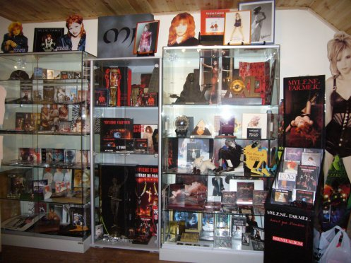 JE VEND MA COLLECTION  mail : didier4112@skynet.be