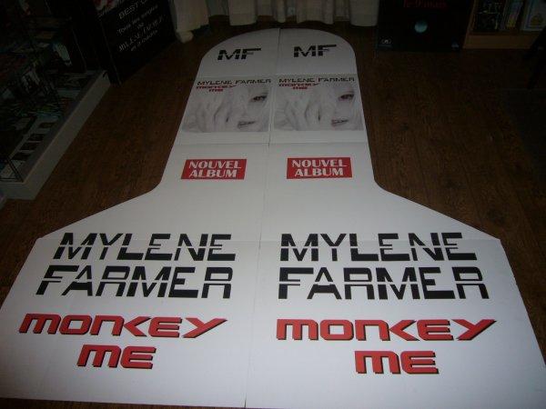 plv publicitaire album monkey me