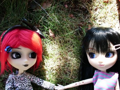 Mathilde et Youne escalade et promenade dans mon jardin ( FIN )
