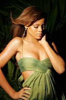 Rihanna dans différents clips