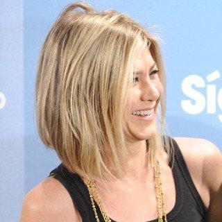 Jennifer Aniston: à 42 ans, elle revient à une coupe au carré