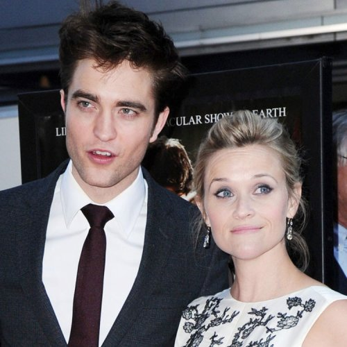 ZOOM sur Reese Witherspoon radieuse au côté de Robert Pattinson