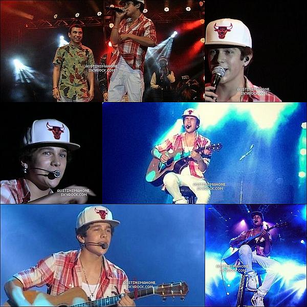 . 22.03.13 : Austin  donnait un concert en pleine air à Orlando en Floride devant plus de 3000 personnes. .
