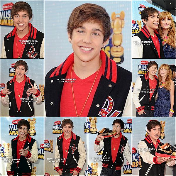 """. 27.04.13 : Austin a été  à la cérémonie des """"Radio Disney Music Awards """" qui avait lieu  à L.A. Austin a gagner un prix,comment les mahomies sont fière de lui ^^ ."""