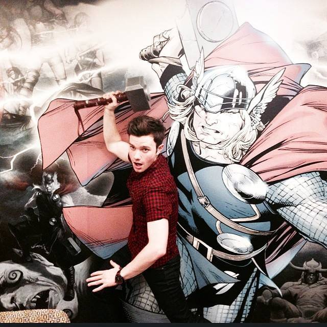 Chris Colfer dans les studios de Marvel Entertainment