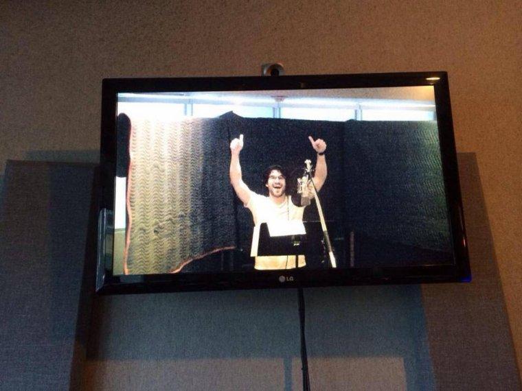 Darren dans les studios d'enregistrement