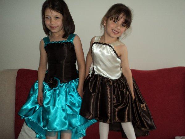 voici les robes pour mes petite filles fini