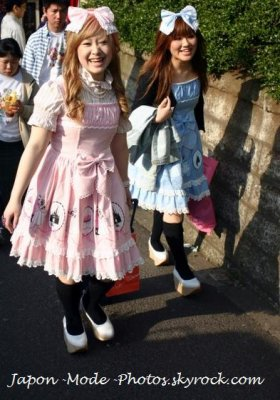 Street Fashion: Happy in Sweet Lolita Lifestyle =D