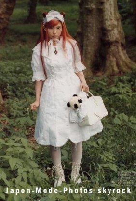 Kana habillée par Metamorphose temps de fille
