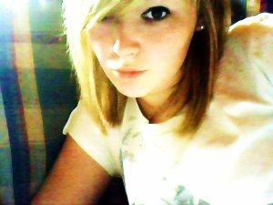 Stéphanie, la fille aux yeux couleur nutella _ #
