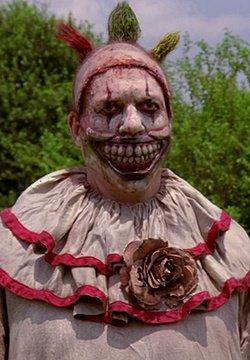 coter serie - american horror story  ( Freak Show , Hotel et cult)