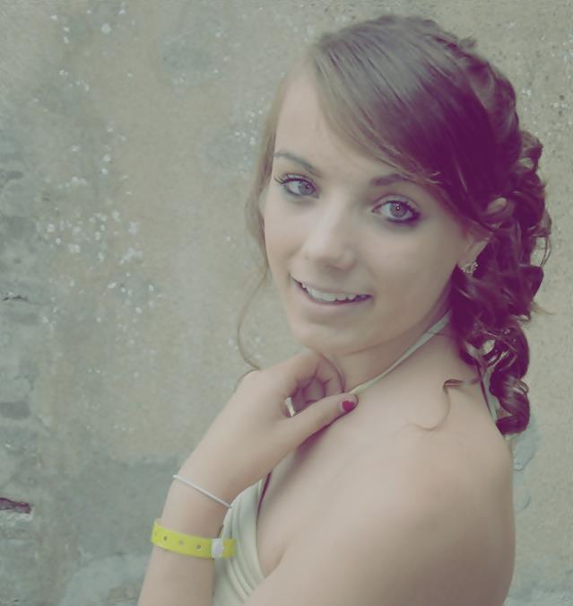 Blog & Blog Secret de Julie, 17 ans, Brune aux Yeux Bleue (l)