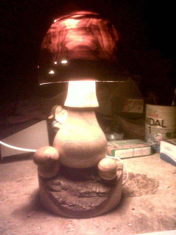 LAMPE CHAMPIGNON EN CHENE ET POMMIER