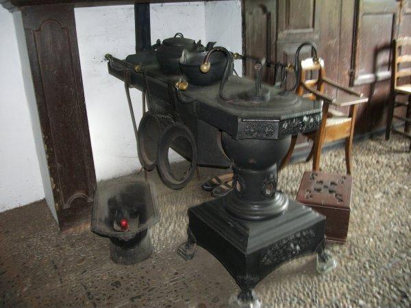 ancien po le et machine laver le linge bienvenue dans mon blog. Black Bedroom Furniture Sets. Home Design Ideas