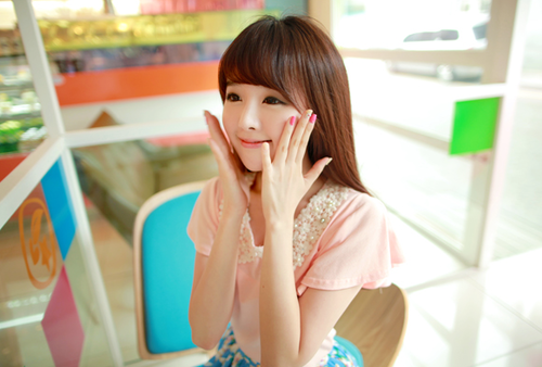 Kim Shin Yeong (김신영)