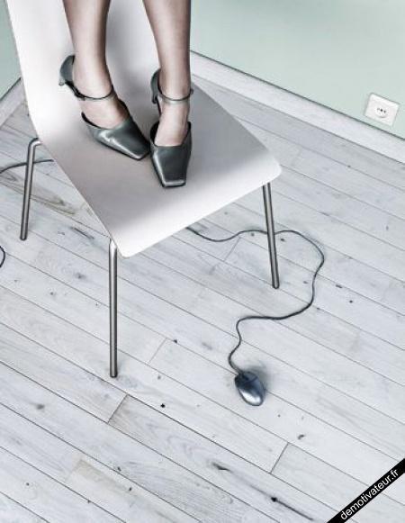 une souris a l'aide