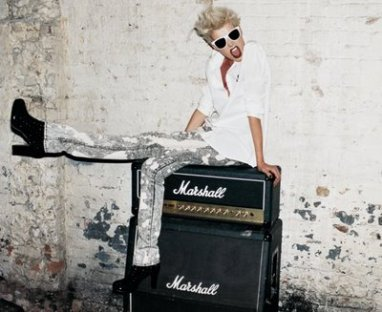 AGYNESS DEYN  PAR TERRY RICHARDSON.