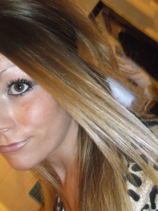 La jalousie d'une fille est la preuve que dans le passé elle a était bléssée.. Et que aujourd'hui elle a besoin d'etre rassurée.. [♥]