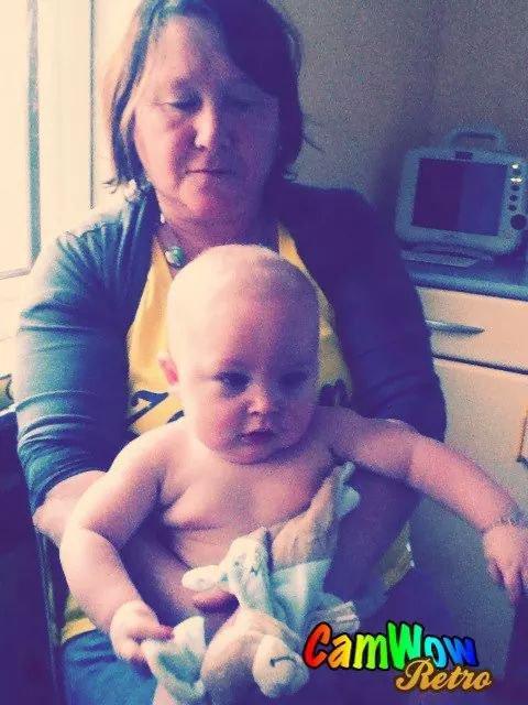 ma belle mere et mon fils quand il a 5 mois