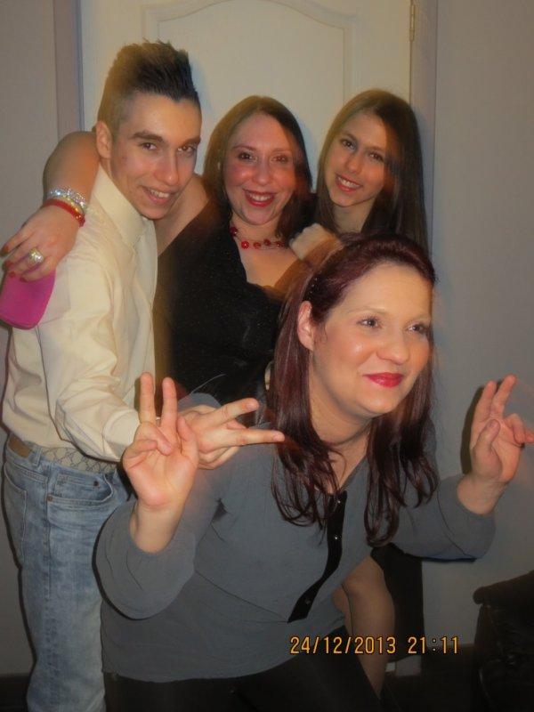 nous 4 unis frere et soeurs