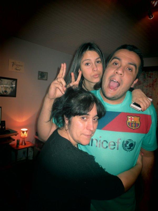 ma maman , ma tit soeur et mon cousin