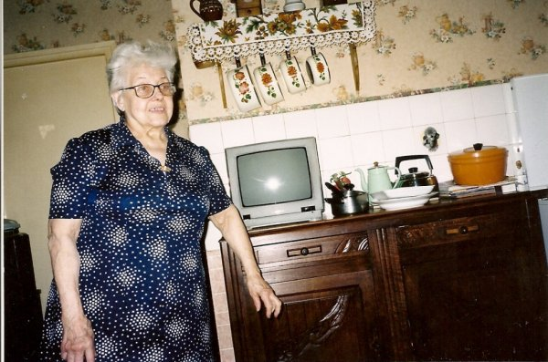 photo de ma belle-mére 86 ans dédéde en 2011