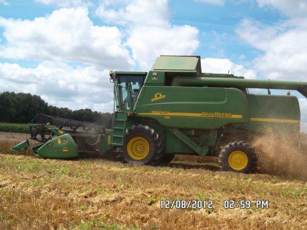La johndeere wts 9660 à battre le blé