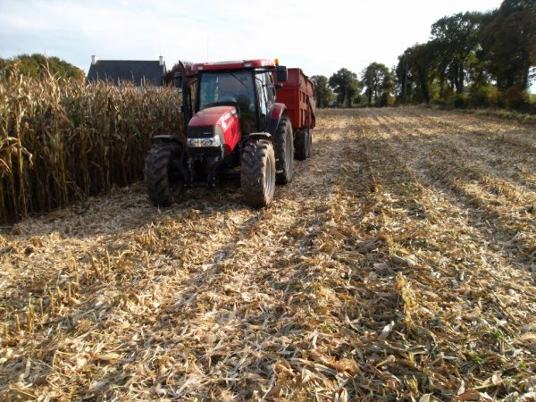 Le case ih maxxum 125 +remorque Demarest